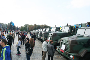 KrAZ Off-road Vehicles Go to Frontline from Victory Square