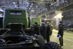 Foreign Customers Inspect KrAZ Trucks