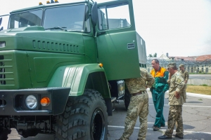 Volunteer Recruits of the Armed Forces of Ukraine Learn to Drive at KrAZ