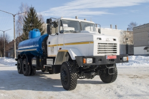"KrAZ Tank Trucks to Carry Oil Products for Subsidiaries of ""Ukrnafta"""