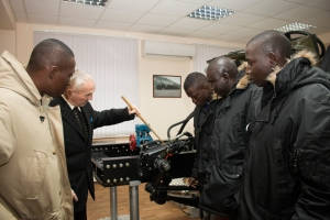 """KrAZ"" Conducts Training for Senegalese Mechanics"